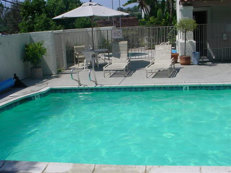 Escondido rv resort photo gallery Campsites in poole with swimming pool